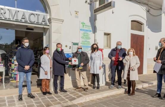 I defibrillatori donati dall'AVIS
