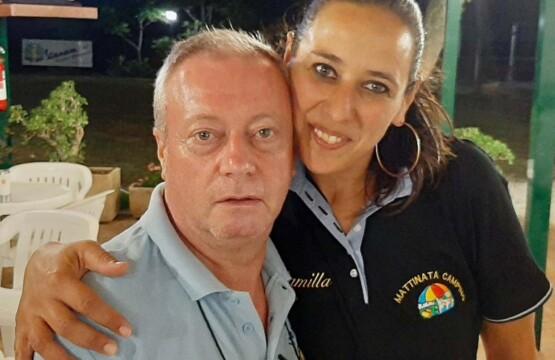 A sinistra Franco Onorato responsabile tesseramento Vespa Club Foggia Gargano con Camilla Manna referente di Mattinata