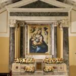 Interno della cappella sconsacrata della Madonna della Luce in Riviera di Chiaia a Napoli, dopo il restauro;