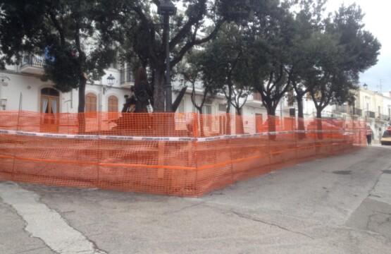 Lavori di riqualificazione della piazzetta di Via Rosati - Monumento agli Emigranti