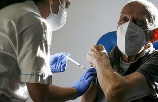 Vaccinazione anti Covid-19 per gli ultraottantenni